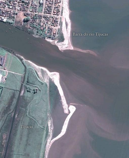 A barra do Rio Tijucas - Imagem: Google Earth