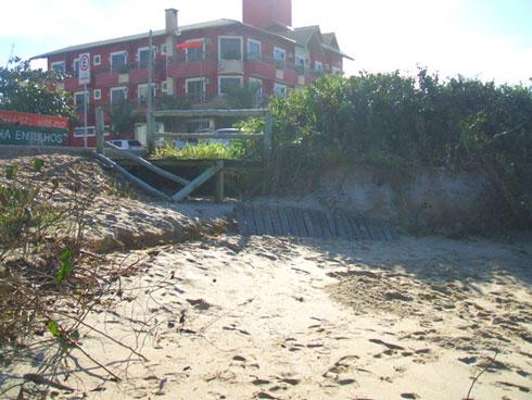 Ressaca na Praia Brava Itajaí - Antiga passarela