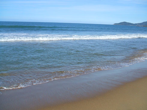 Ressaca na Praia Brava - Depois da tempestade, digo, da ressaca, vem a calmaria
