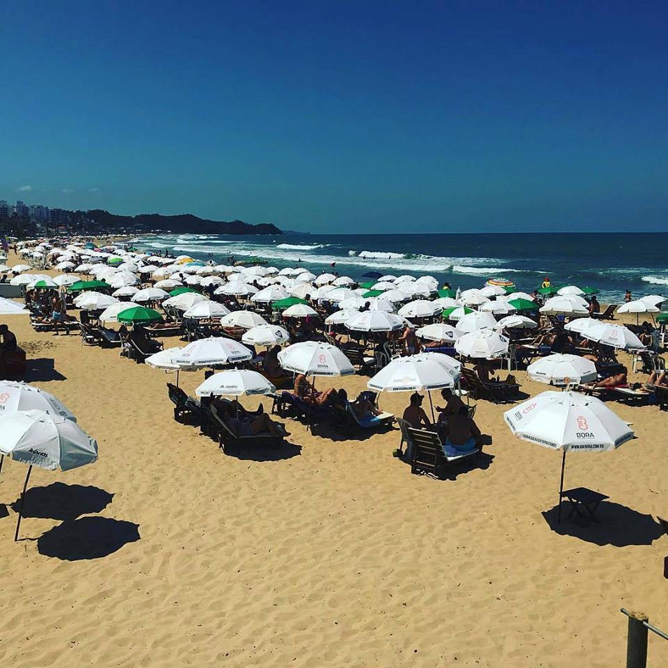 Praia Brava em Dia de Sol - Foto: @kakowaldrich